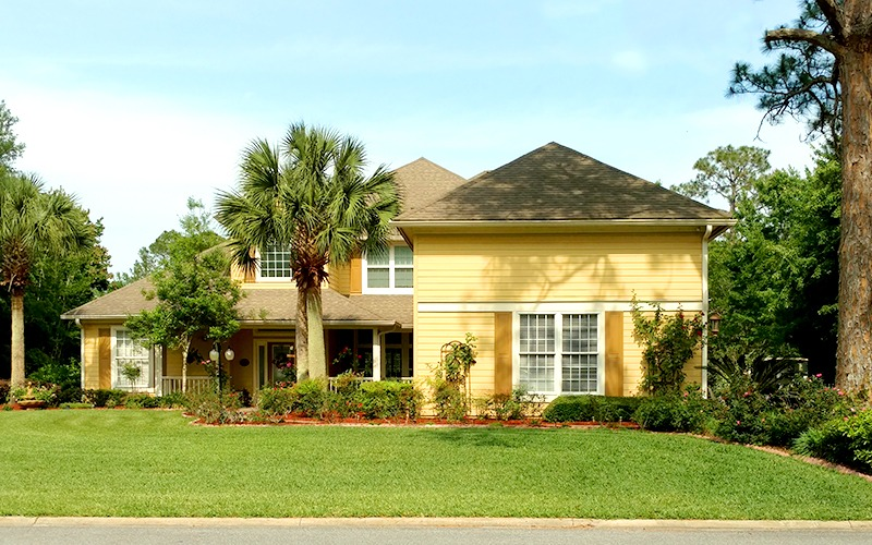 Beautiful residential home lawn services
